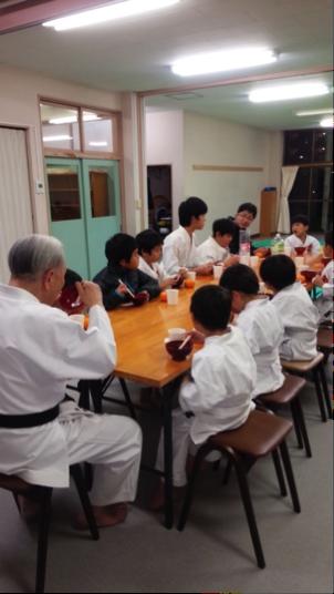 "Kagamibiraki (traditional ceremony ""Opening the mirror"")"