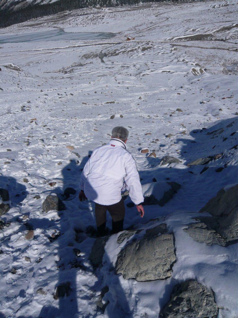 伊藤先生氷河を下る