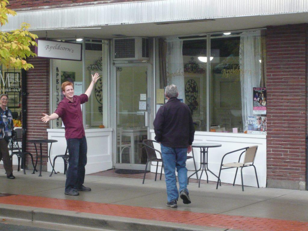 バンクーバーに戻る途中チリワックに在るコンラッド三段の店に寄った